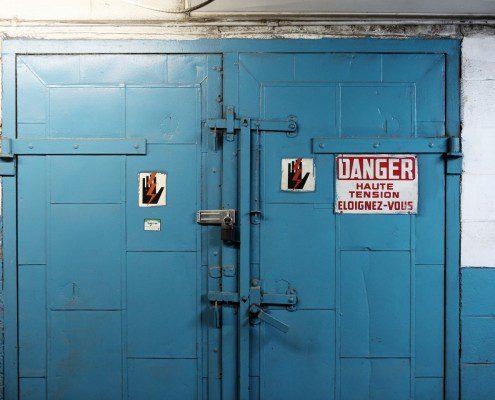 Life of Pix free stock photos door danger blue high voltage leeroy 1440x960